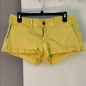 American Eagle shorts 🌻